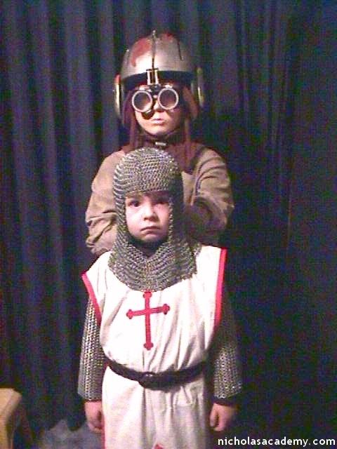 Alex in maille armor with Anakin Skywalker mannequin
