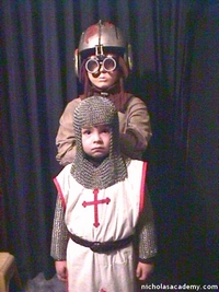 Alex in maille armor with Anakin Skywalker mannequin